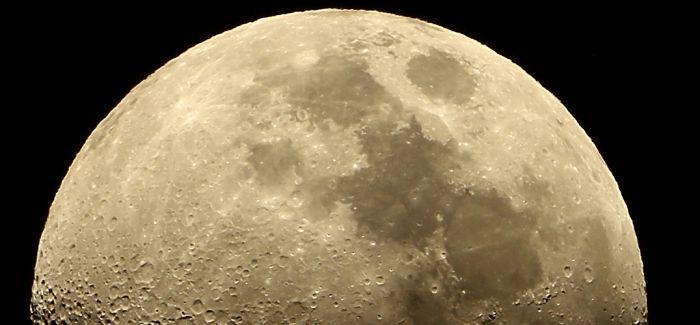 登月50周年 我们聊聊艺术与月亮的那些事