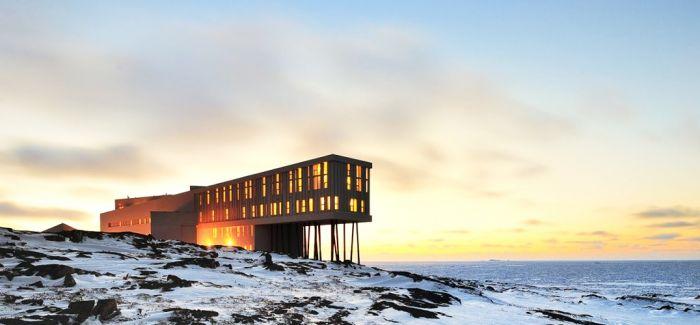 """纽芬兰:夏日海面上的""""冰山"""""""