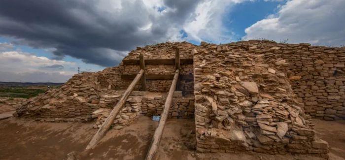 石茆皇城台门址初露全貌