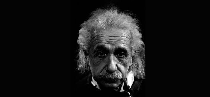 当爱因斯坦遇见达尔文