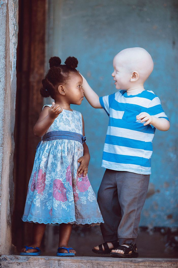 Love-Tanzania-bmvisuals-BM-VisualsAGORA-images-5d5181a74b63d__880