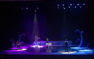 幽默风趣的香港音乐剧《恋爱轻飘飘》西安上演