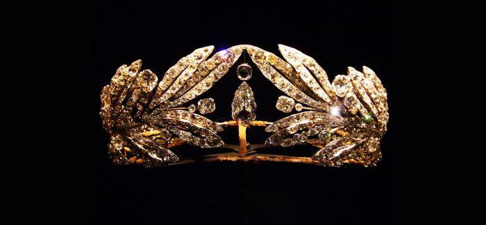 奢侈的法国皇冠收藏