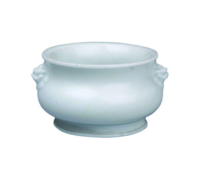 明德化窑白瓷铺首香炉