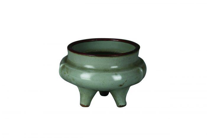 宋龙泉窑青釉瓷炉