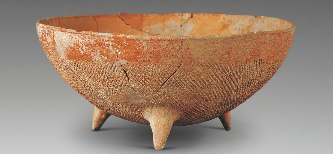 浅聊年代久远的大地湾彩陶三足钵