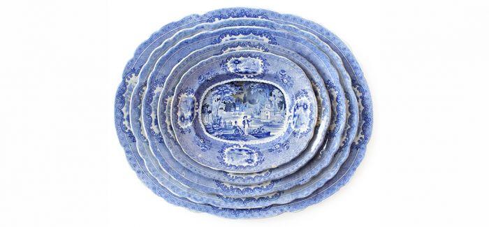 """""""浮出""""水平线的古董陶瓷"""