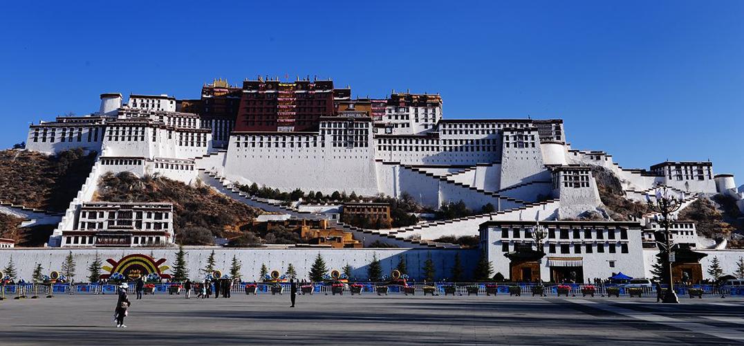 20余件文物首次亮相西藏拉萨布达拉宫