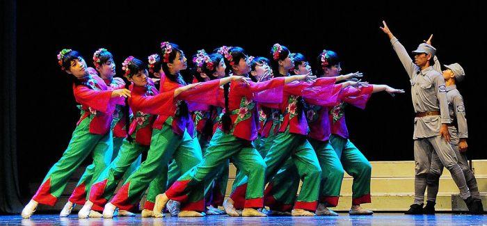 音乐剧《九九艳阳天》 用青春向经典致敬