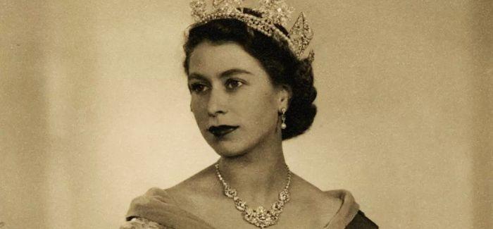 """英国女王:英国皇室珠宝收藏中的""""顶流"""""""