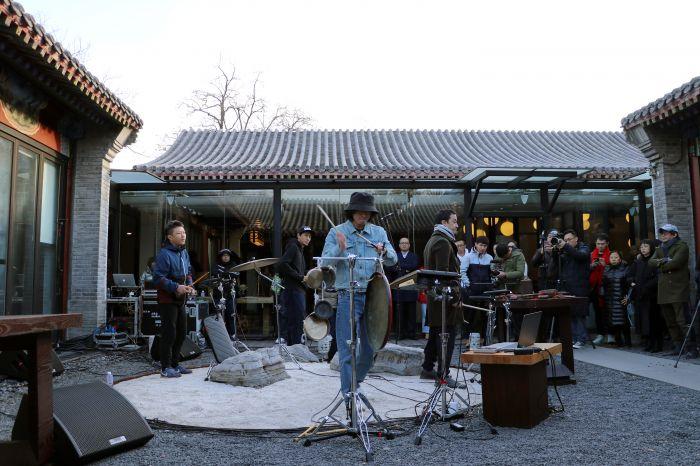 15现场演奏包含老北京响器的现代音乐作品