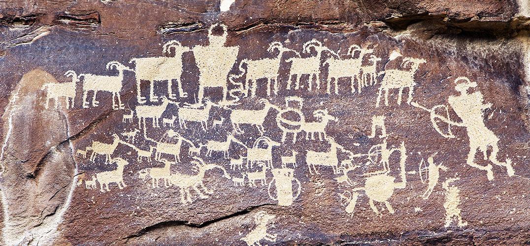 专题|岩画:石壁上的迷图