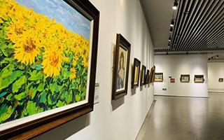 """俄罗斯·乌克兰油画精品展""""在哈尔滨美术馆举办"""