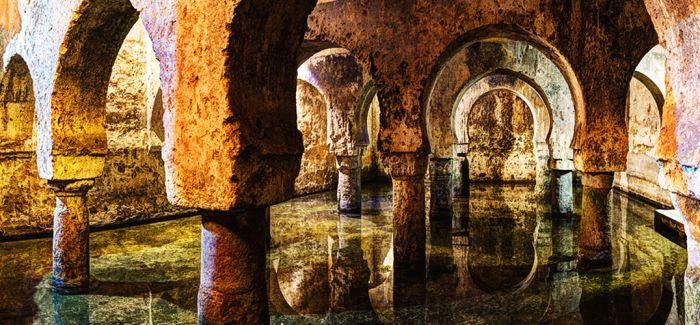 卡塞雷斯:身处中世纪的光彩之中