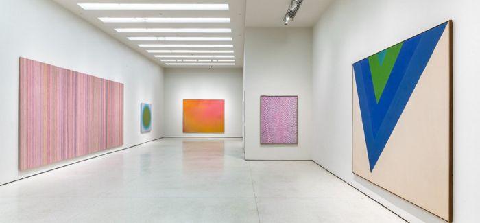 """纽约古根海姆博物馆举办""""1960年代绘画展"""""""