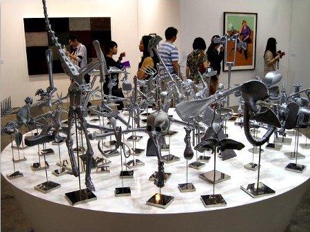 xart-basel-hong-kong-exhibit.jpg.pagespeed.ic.dopFJXFg4A