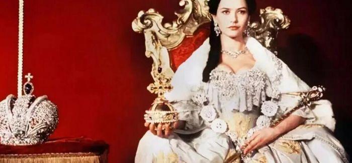 为何珠宝可以作为爱情的见证?