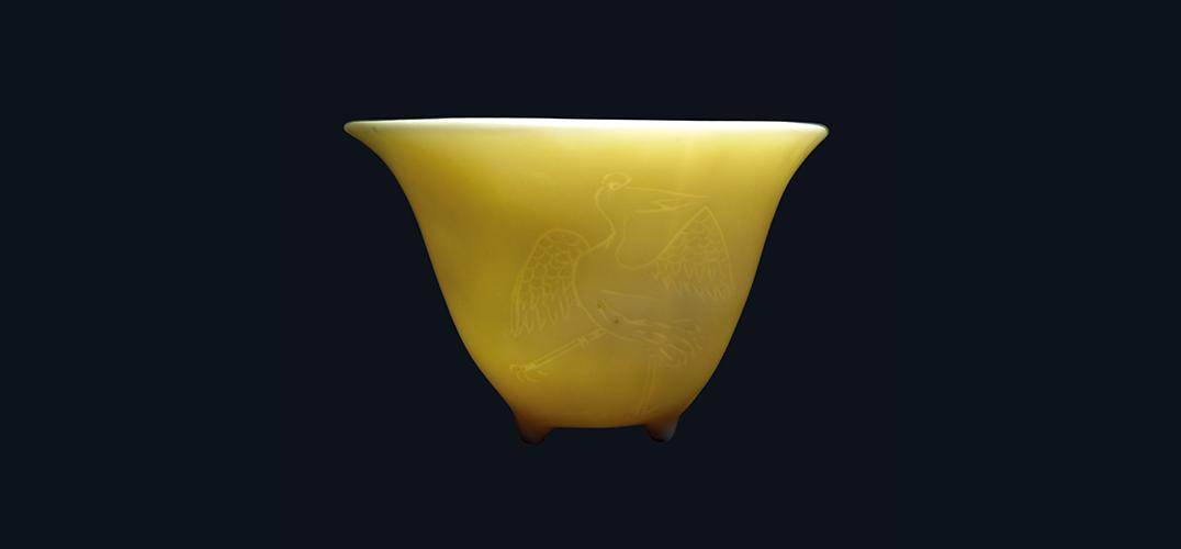 明代德化窑鹤纹杯的朴素和高雅