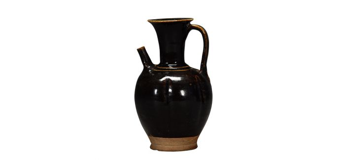 古朴大气的晚唐耀州窑黑釉执壶