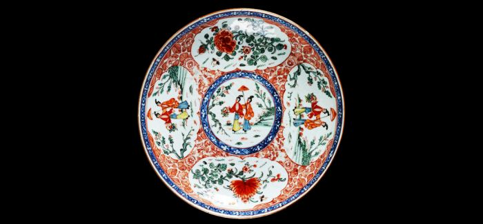 十八世纪法国对中国外销瓷的改装重饰