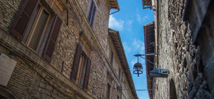 """阿西西:意大利的""""私房艺术"""""""