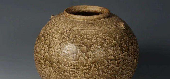 在上海历史博物馆中品读丝笔茶瓷