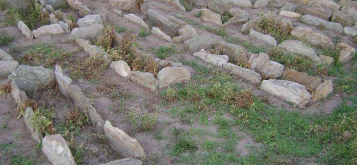 河北清河发现明代石棺墓 出土文物4件