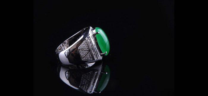 翡翠戒指 VS 钻石戒指