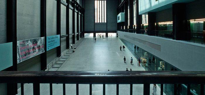 开放的英国博物馆 减少的观众