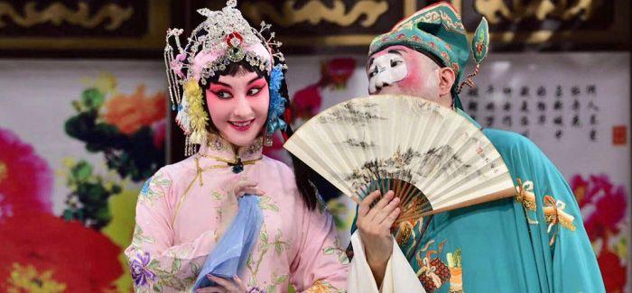 武汉的剧场正式开锣