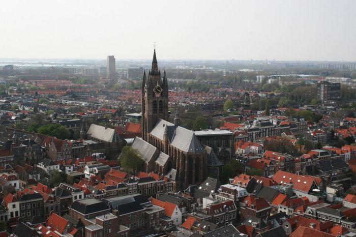 1200px-Delft_(13)