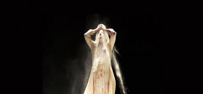 舞台上的欲望 呐喊与哭泣