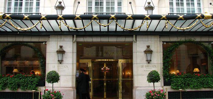 因疫情影响 巴黎众多豪华宫殿酒店不营业
