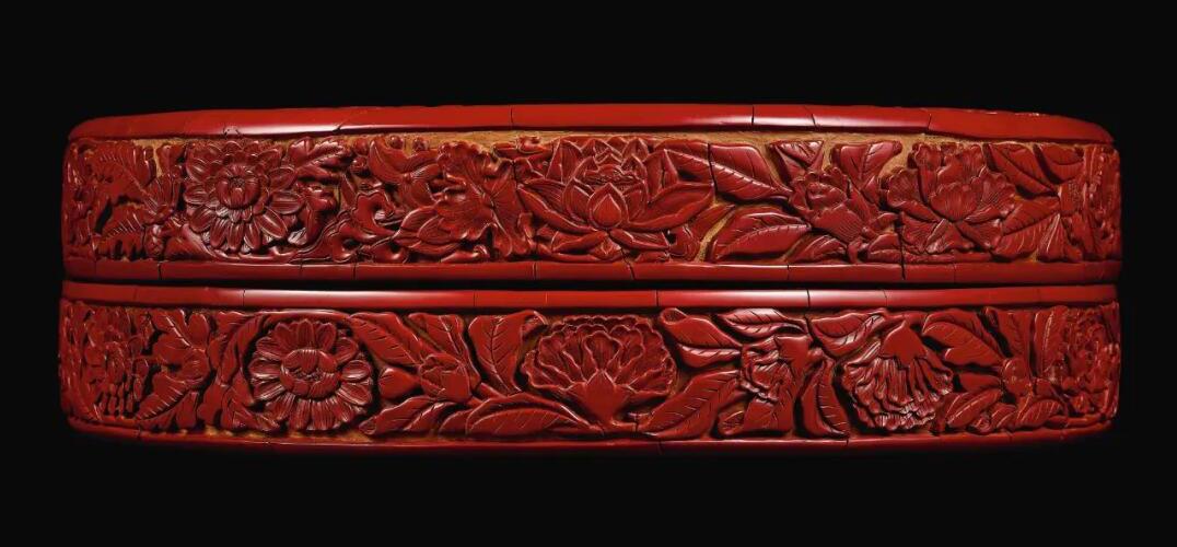明永乐剔红缠枝石榴花盖盒香港上拍