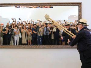 贫穷艺术先驱皮斯特莱托挥锤北京