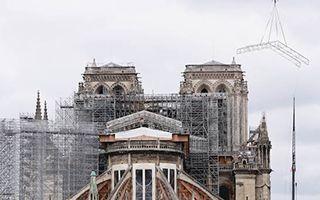 马克龙支持巴黎圣母院塔尖按原样重建