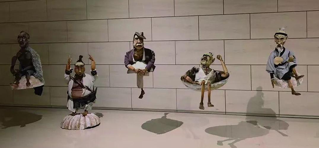 探索偶剧的多层表达