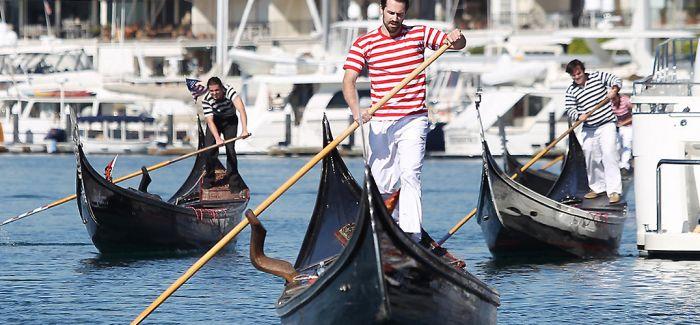 变胖的游客 减员的贡多拉游船