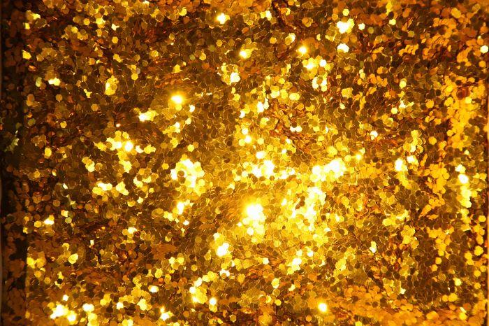 王海洋《金色呼吸》单频影像(彩色,有声)54''循环播放loop 2016 图片由艺术家和空白空间提供