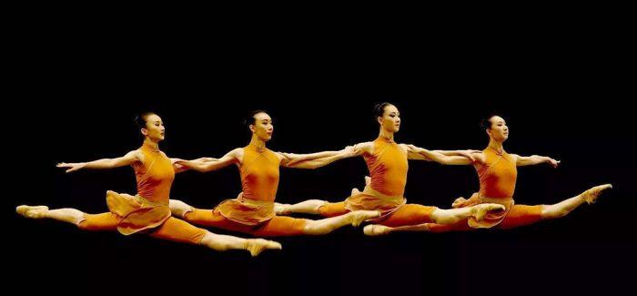融入苗族舞蹈后的芭蕾舞剧《花一样开放》