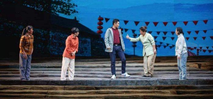 民族歌剧《扶贫路上》致敬280万扶贫干部