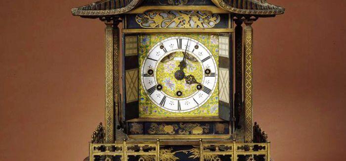 古朴大气的清乾隆时期楼阁式更钟