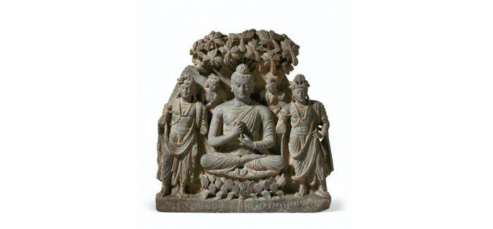 663万美元!灰片岩浮雕释迦牟尼佛及菩萨像成交