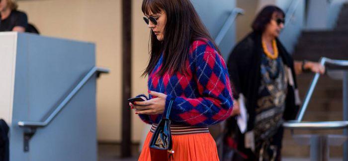 秋天穿毛衣+半裙 让你格外迷人