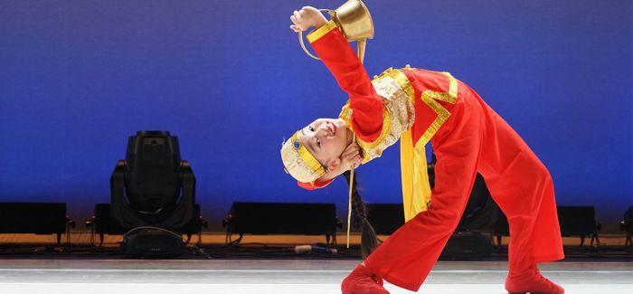 在上海青舞节中看小舞者登大舞台