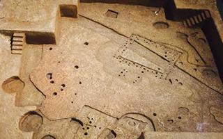 """二里头遗址考古发现""""井""""字形道路延伸范围更大"""