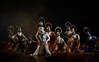 舞剧《春之祭》于内蒙古乌兰恰特大剧院上演