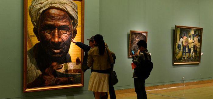 油画《父亲》首次系统修复 让人类文明赓续绵延