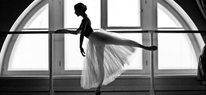 当芭蕾舞者遇见古老的建筑