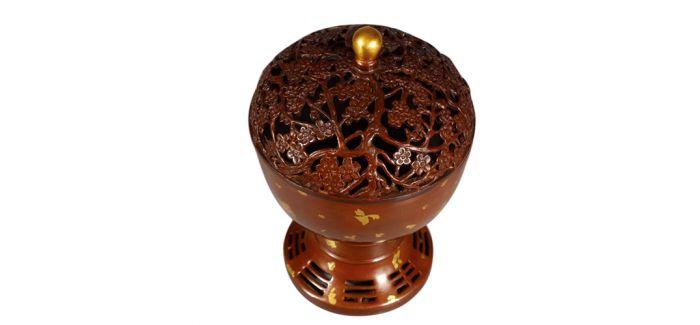 古拙精致的清代梅花纹饰铜熏炉